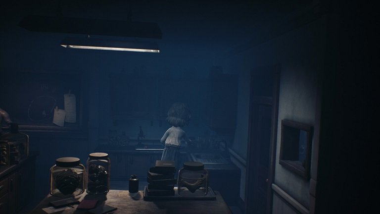 Little Nightmares 2 Game Guide - Mono takes his time to move cautiously