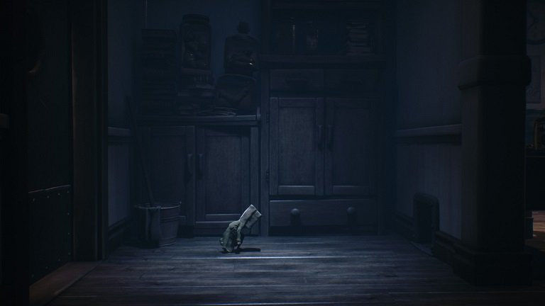 Little Nightmares 2 Game Guide - Mono throws the brain shaped towards the button