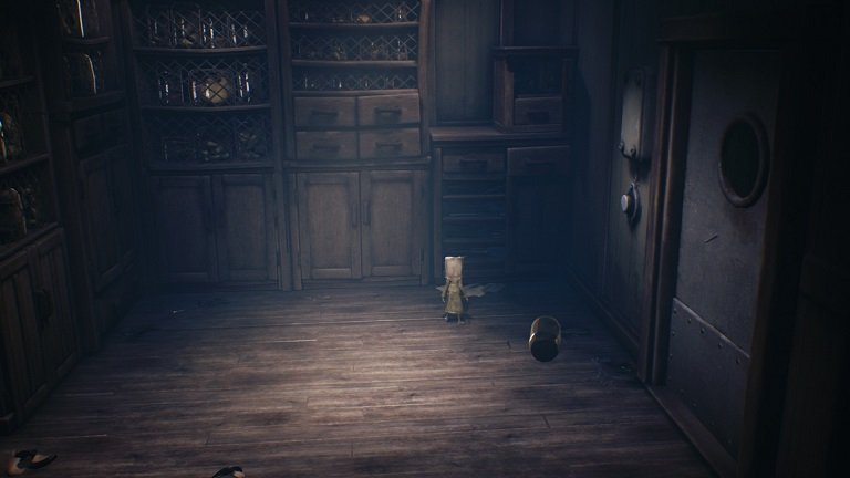 Little Nightmares 2 Game Guide - Mono walking to the shelves
