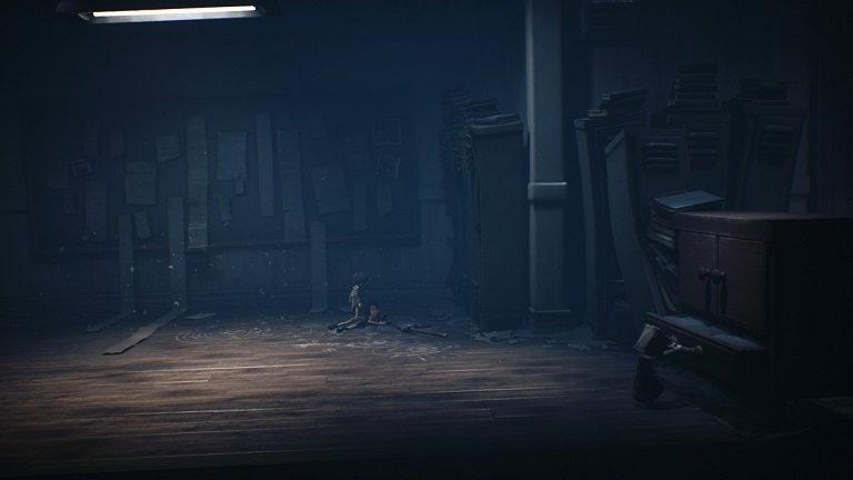 Little Nightmares 2 game guide - There is a dresser on the right same as in the attic