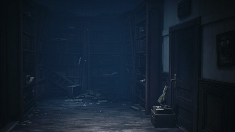 Little Nightmares II Gam Guide - Mono slides the crate of books to the door