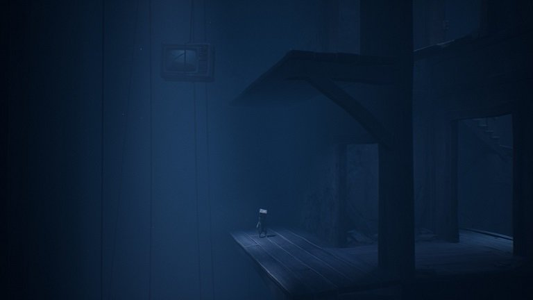 Little Nightmares II Game Guide - Child jumps onto the platform above