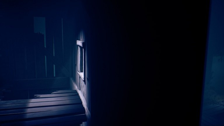 Little Nightmares II Game Guide - Crawl through the small indoor area