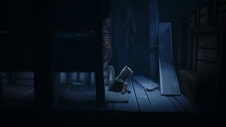 Little Nightmares II Game Guide - Hand over the lever to the child