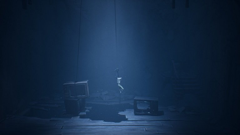 Little Nightmares II Game Guide - Using the rope to swing and lift upwards