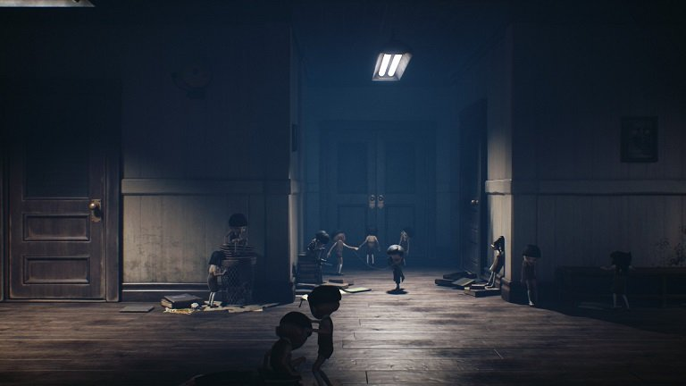 Little Nightmares II Game guide - Keep on moving to the right in the hall way